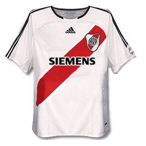 06-07riverplate01